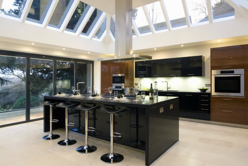 Interior Design Ideas To Achieve The Perfect Luxury Kitchen Decor