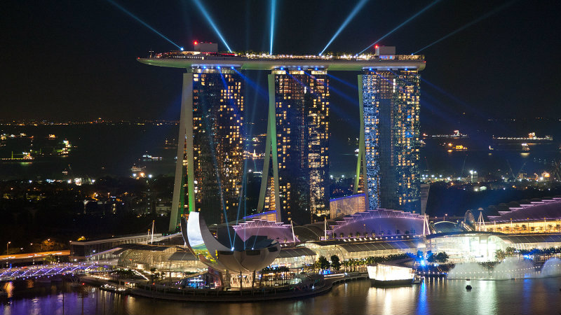 The Spectacular Beauty of Marina Bay Sand Hotel marina bay sands Celebrity Hotels: Outstanding Marina Bay Sands Singapore covetedition The Spectacular Beauty of Marina Bay Sand Hotel Marina Bay Sands PERI 011