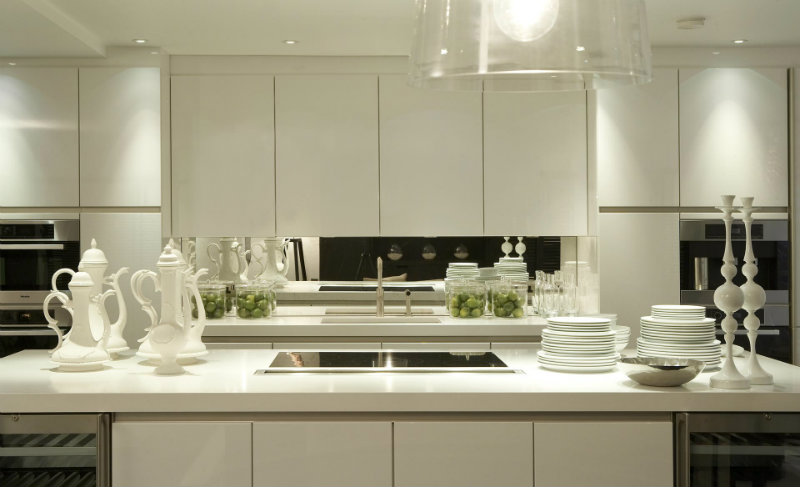 covet-edition-Residential-projects-by-Kelly-Hoppen-in-UK-fair-hazel-garden residential projects by kelly hoppen The Best Residential projects by Kelly Hoppen in United Kingdom covet edition Residential projects by Kelly Hoppen in UK fair hazel garden