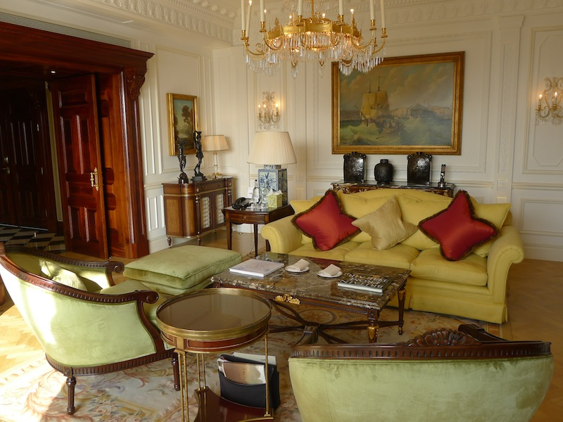 covet-edition-luxury-travels-The Savoy's Royal Suite-1