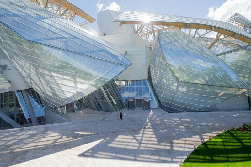 coveted-louis-vuitton-fondation-by-fabulous-architect-frank-gehry-4