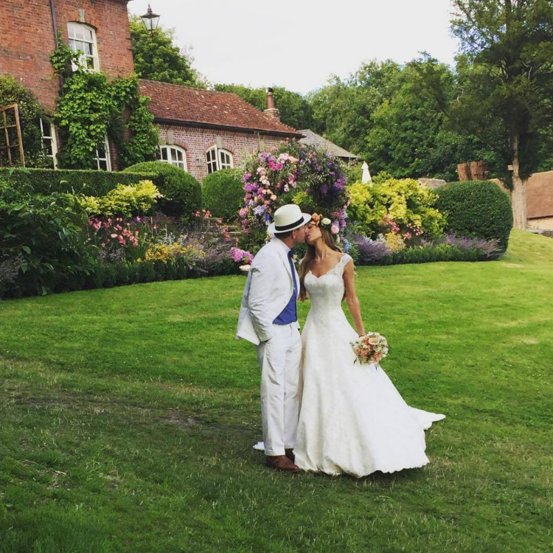 Covetedition-Guy Ritchie and Jacqui Ainsley got married-couple