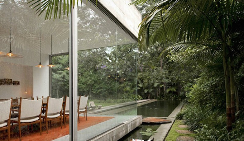 coveted-Top-Interior-Designers-Isay-Weinfeld-yucatan-house-001-690x400