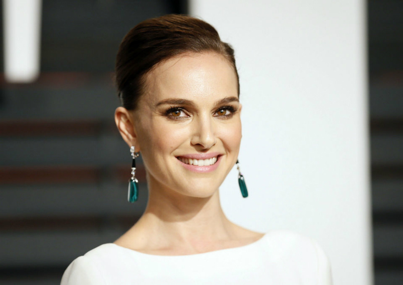 covet-edition-red-carpet-review-natalie-portman
