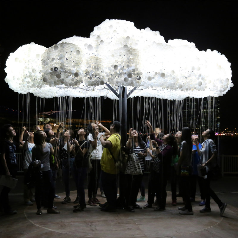 coveted-Lumiere-Light-Art-Festival-CLOUD