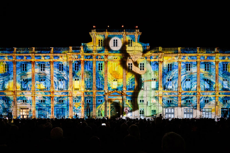 coveted-Lumiere-Light-Art-Festival-Fete-des-Lumieres-Place-des-Terreaux