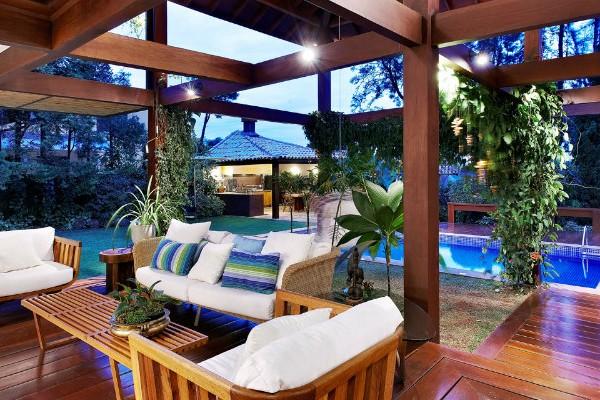 coveted-Top-Interior-Designers-David-Guerra-garden_house_06