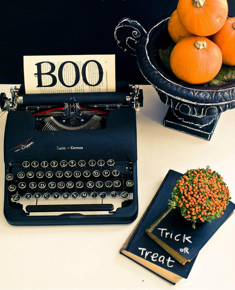 coveted-Luxury-Halloween-Design-Ideas-boo