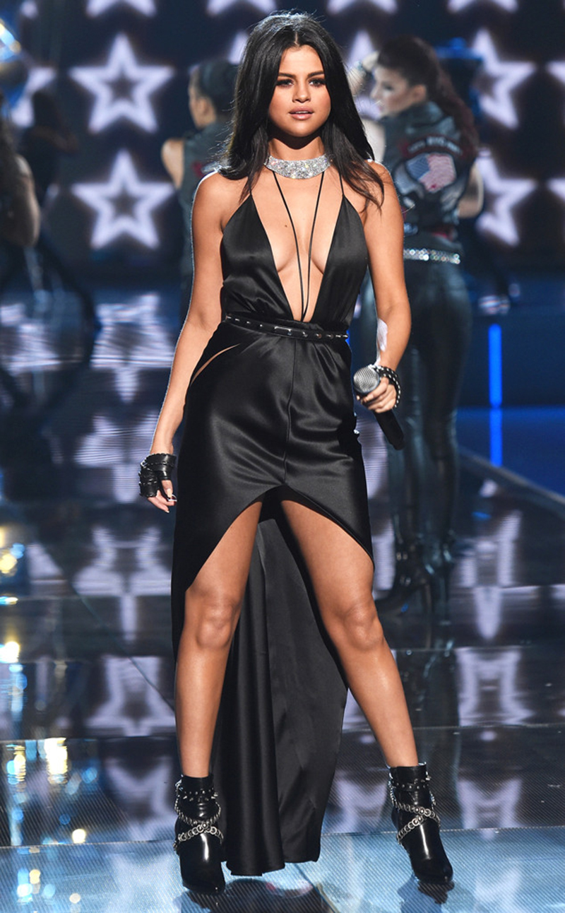 Highlights of the Highly Anticipated Victoria Secret 2015 Fashion Show