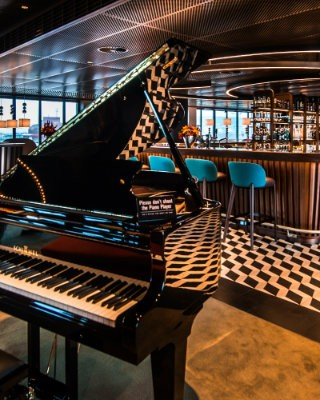 George - the Exquisite Rooftop Restaurant in Zurich piano