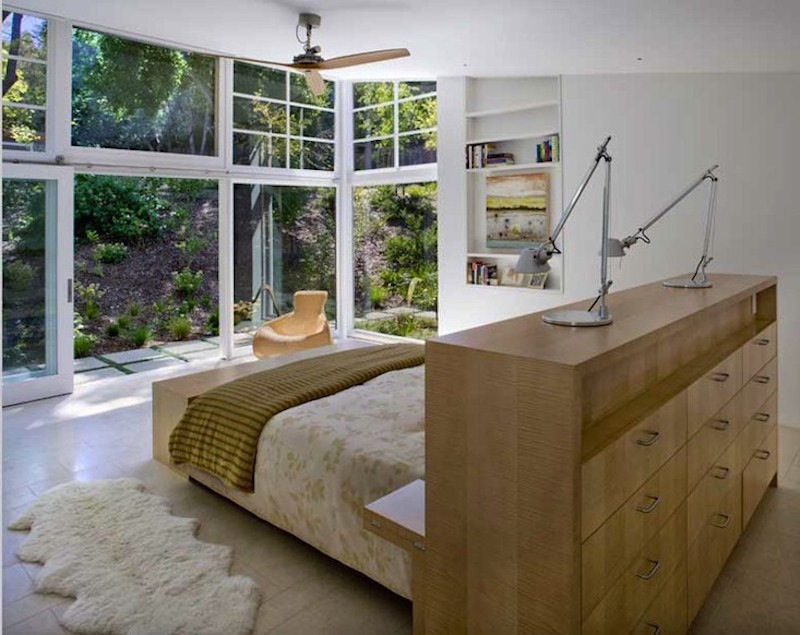 trend-alert-9-beds-with-a-stunning-view-