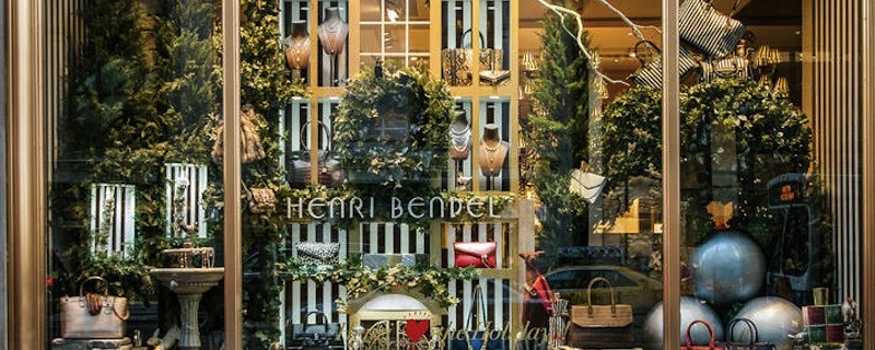 where-to-see-christmas-window-displays-at-stores-in-new-york-city-cover
