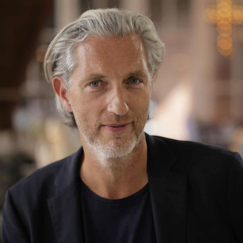 CovetED Vista Alegre and Marcel Wanders unveil porcelain collection in Paris Marcel Wanders product designer  Vista Alegre and Marcel Wanders unveil porcelain collection in Paris CovetED Vista Alegre and Marcel Wanders unveil porcelain collection in Paris Marcel Wanders product designer