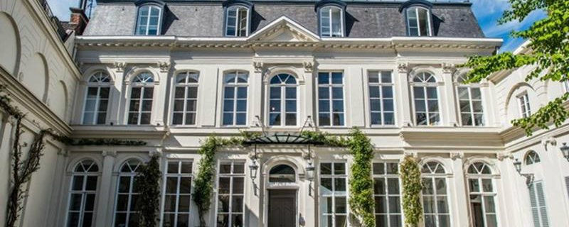 CovetED Clarance Boutique Hotel has everything you dream about entrance