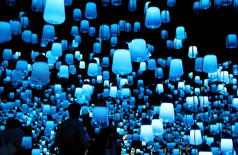 Forest of Resonating Lamps at Maison et Objet Paris 2016-4 maison et objet paris 2016 Forest of Resonating Lamps at Maison et Objet Paris 2016 teamlab forest of resonating lights maison et objet installation paris designboom 009