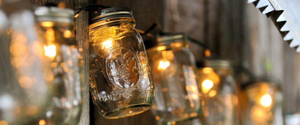 contemporary-lighting-lamps-that-will-make-your-yard-shine-mason-jars