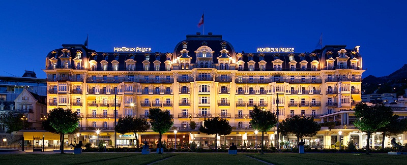 Meet the stunning Fairmont Le Montreux Palace ➤To see more Coveted articles visit us at http://covetedition.com/ #covetedmagazine #luxuryhotels #luxurylifestyle @CovetedMagazine fairmont le montreux palace Meet the stunning Fairmont Le Montreux Palace Fairmont Le Montreux 01
