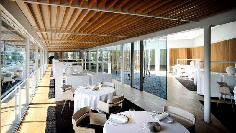 Michelin 2017 Guide: Restaurants to look out now! ➤To see more Coveted articles visit us at http://covetedition.com/ #covetedmagazine #luxuryinteriordesign #luxurylifestyle @CovetedMagazine michelin 2017 guide Michelin 2017 Guide: Restaurants to look out now! el celler de can roca best restaurant in the world gulf luxury