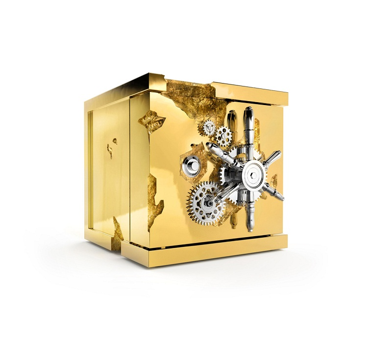The Perfect Gift Guide for Luxury Men ➤To see more Coveted articles visit us at http://covetedition.com/ #covetedmagazine #luxuryinteriordesign #luxurylifestyle @CovetedMagazine gift guide for luxury men The Perfect Gift Guide for Luxury Men millionaire jewelry safe zoom