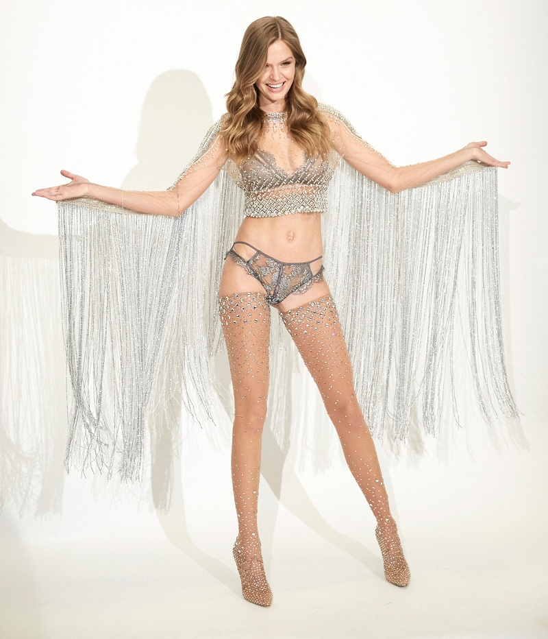 Preview of the Sparkling victoria secret swarovski outfit ➤To see more Coveted articles visit us at http://covetedition.com/ #covetedmagazine #luxuryfashion #luxurylifestyle @CovetedMagazine victoria secret swarovski outfit Preview of the Sparkling victoria secret swarovski outfit swarovskimain 1478112323