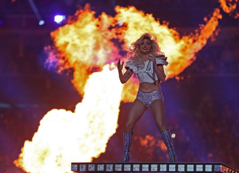 superbowl 2017 super bowl 2017 Super Bowl 2017: Half Time With Lady Gaga 3 gaga fire pg 600 e1486489111929