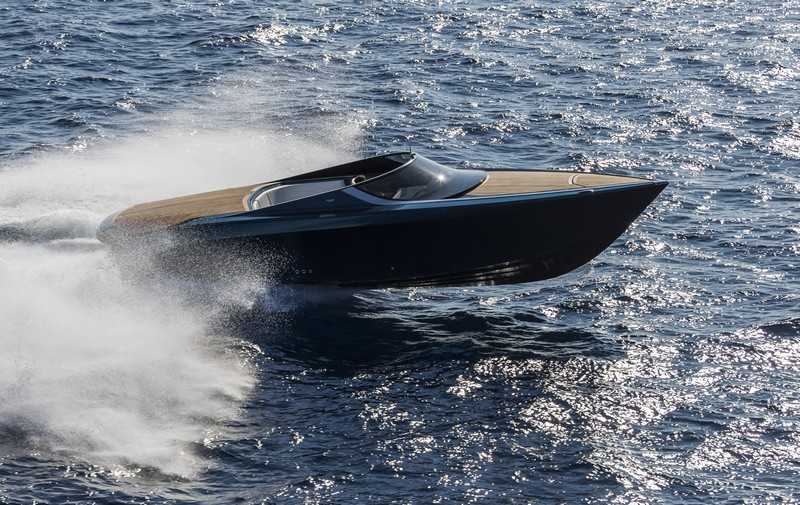 Aston Martin - AM 37 Aston Martin Powerboat Visualise the Spectacular and Inaugural Aston Martin Powerboat AM37 01