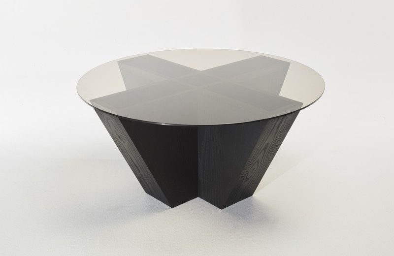 JMizrahi_Venus_Ebony_Table_with_glass