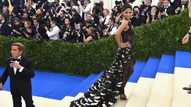 Check Out The Highlights And Best Moments From Met Gala 2017 la ig met gala photos 20170501 055