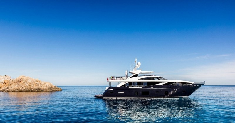 Ravishing Luxury Yachts to Charter In Your Next Vacation 1