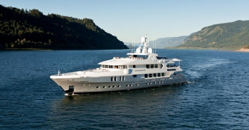 Ravishing Luxury Yachts to Charter In Your Next Vacation 5