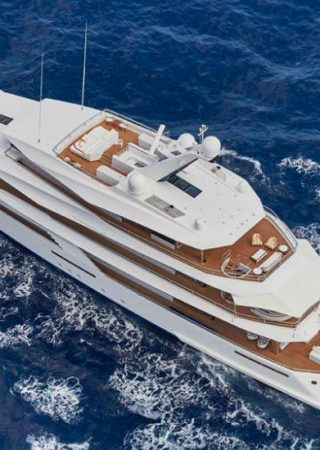 8 Ravishing Luxury Superyachts to Charter In Your Next Vacation