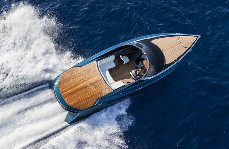 Aston Martin - AM 37 Monaco Yacht Show Experience An Exhilarating World of Luxury at Monaco Yacht Show 2017 Experience An Exhilarating World of Luxury at Monaco Yacht Show 2017 2