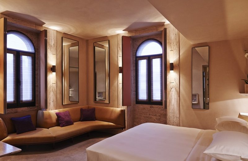 MILPH_P475 Deluxe Room park hyatt milan Park Hyatt Milan: A Five-Star Luxury Hotel Near Piazza del Duomo Park Hyatt Milan A Five Star Luxury Hotel Near Piazza del Duomo 4