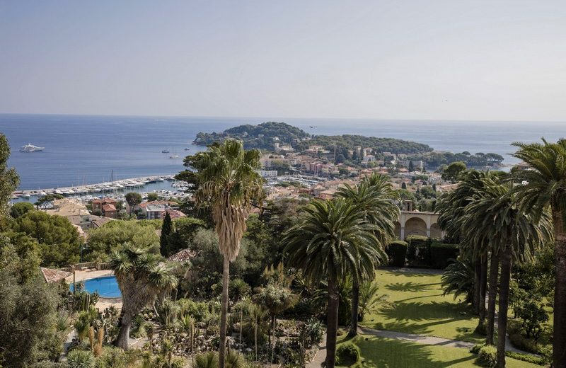 Meet the Most Expensive House in the World. To see more news about luxury houses, subscribe our newsletter right now! #mostexpensivehouse #villalescedres #saintjeancapferrat #kingleopoldii #luxuryhouses #luxurymansions #marnierlapostolle #villefranchesurmer