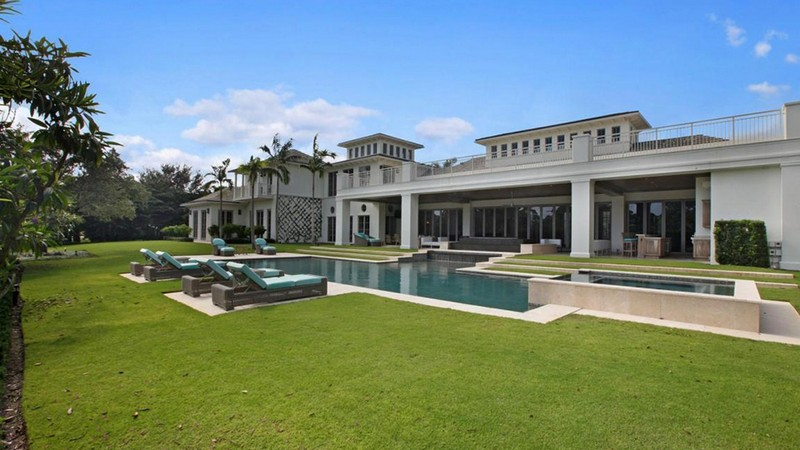 Take a Peak at the Incredible Pro Golfers' Houses. To see more news about celebrities houses, subscribe our newsletter right now! #progolfershouses #bestgolfershouses #tigerwoodshouse #leewestwoodhouse #rorymcilroyhouse #jordanspiethhouse #luxuryhouses #celebritieshouses pro golfers' houses Take a Peak at the Incredible Pro Golfers' Houses Take a Peak at the Incredible Pro Golfers Houses 7
