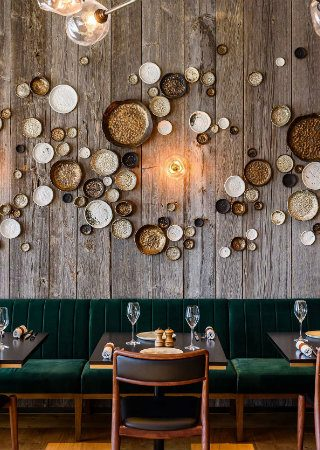 B3 Designers Bring the Nordic Theme to the Ritz-Carlton Geneva. To see more news about luxury hotels, subscribe our newsletter right now! #b3designers #ritzcarltongeneva #ritzcarltonhoteldelapaixgeneva #luxuryhotels #contemporarynordicminimalism #bestinteriordesigners #diningdecor