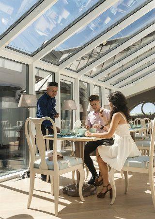 The New Relais Le Chevalier by Elisabetta de Strobel. To see more news about incredible hotels, subscribe our newsletter right now! #relaislechevalier #elisabettadestrobel #terzomillennium #tobeverona #topinteriordesigners #luxuryhotels #europeandesign #europeanhotels