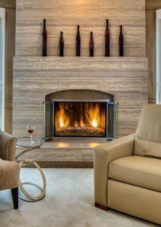 Be inspired by 10 Cozy Interior Design Ideas With Fireplaces ➤ #covetedmagazine #interiordesign #homedecor #luxuryinteriors ➤ www.covetedition.com ➤ @covetedmagazine @bocadolobo @delightfulll @brabbu @essentialhomeeu @circudesign @mvalentinabath @luxxu @covethouse_ @rug_society @pullcast_jewelryhardware @byfoogo