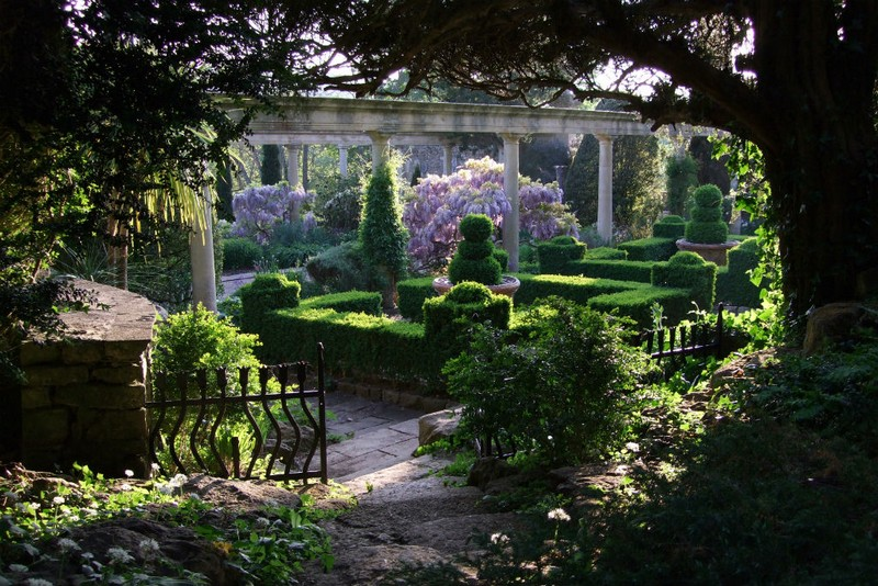 Discover the 15 Best English Gardens You Must Visit. To see more news about luxury travel, subscribe our newsletter right now! #englishgardens #beautifulgardens #levenshall #alnwickgarden #sissinghurstcastle #hidcotemanor #stourhead #coveted #gardensofengland #luxurygardens english gardens Discover the 15 Best English Gardens You Must Visit Discover the 15 Best English Gardens You Must Visit 10