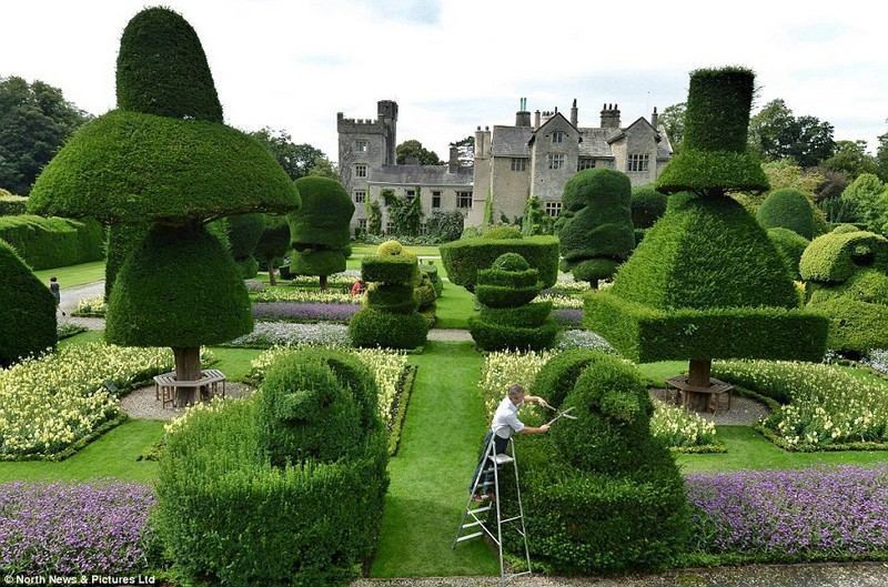 Discover The 15 Best English Gardens You Must Visit 11 Covet Edition