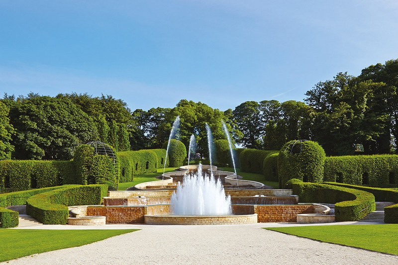Discover the 15 Best English Gardens You Must Visit. To see more news about luxury travel, subscribe our newsletter right now! #englishgardens #beautifulgardens #levenshall #alnwickgarden #sissinghurstcastle #hidcotemanor #stourhead #coveted #gardensofengland #luxurygardens english gardens Discover the 15 Best English Gardens You Must Visit Discover the 15 Best English Gardens You Must Visit 23