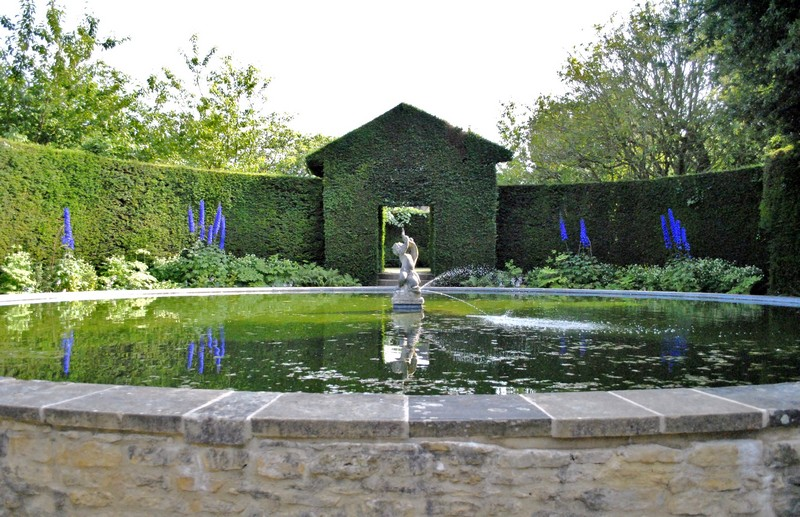 Discover the 15 Best English Gardens You Must Visit. To see more news about luxury travel, subscribe our newsletter right now! #englishgardens #beautifulgardens #levenshall #alnwickgarden #sissinghurstcastle #hidcotemanor #stourhead #coveted #gardensofengland #luxurygardens english gardens Discover the 15 Best English Gardens You Must Visit Discover the 15 Best English Gardens You Must Visit 7