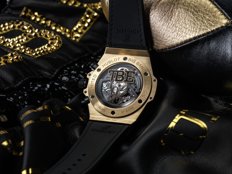shock rose off mayweather collection dozens revealing his shows stunning floyd sport g diamond timepieces functions rubies the encrusted watch gold on amazing with watches
