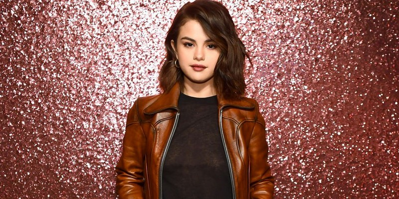 Selena Gomez Joins Forces with Coach to Debut Ready-to-Wear Collection selena gomez Selena Gomez Joins Forces with Coach to Debut Ready-to-Wear Collection Selena Gomez Joins Forces with Coach to Debut Ready to Wear Collection 3
