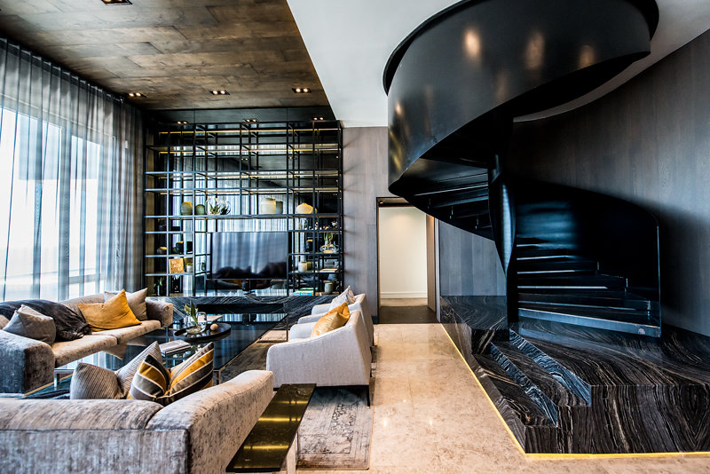 Take a Look at the Amazing Revamp of The Fairmont Penthouse by Inhouse. To see more news about interior design, subscribe our newsletter right now! #thefairmontpenthouse #inhouse #southafricandesign #luxuryinteriordesign #bestinteriordesigners #bestdesignstudios #moderndecor #contemporarydecor