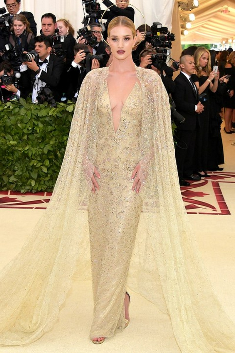 From Saints to Sinners, The Best Looks from the Met Gala 2018 Met Gala 2018 From Saints to Sinners, The Best Looks from the Met Gala 2018 From Saints to Sinners The Best Looks from the Met Gala 2018 10