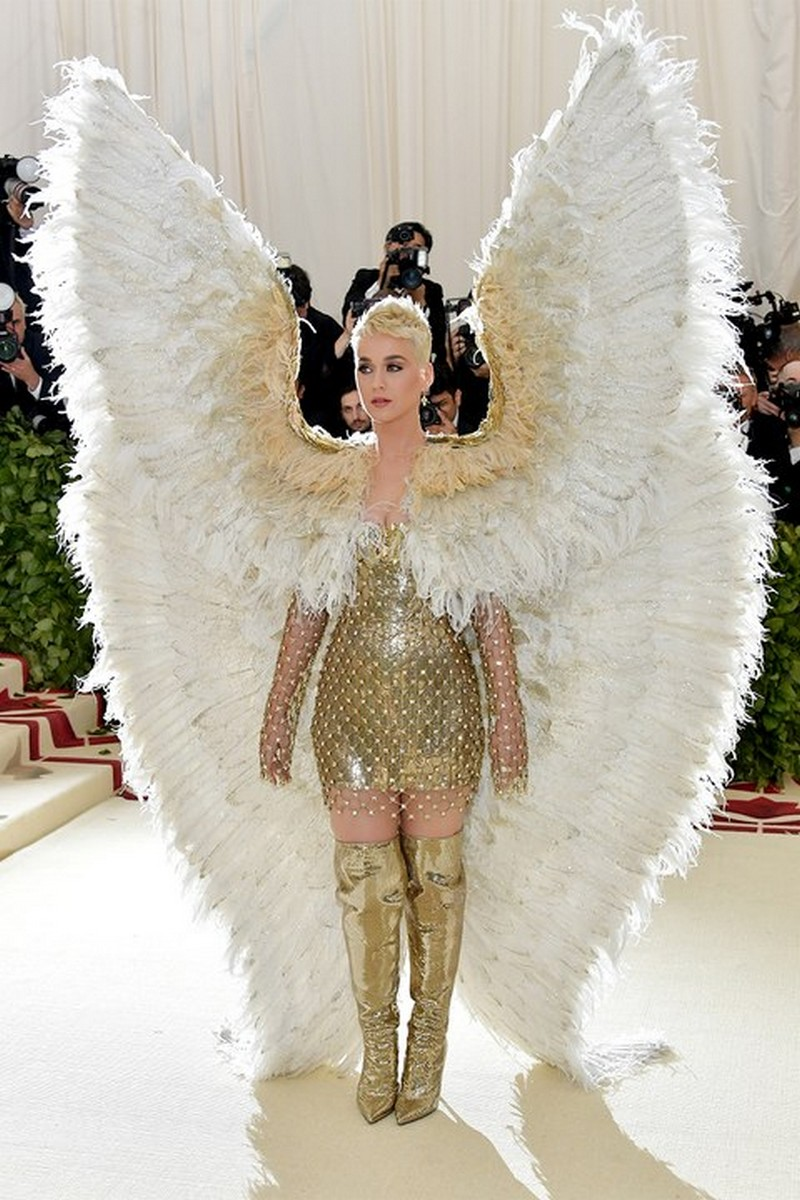 From Saints to Sinners, The Best Looks from the Met Gala 2018 Met Gala 2018 From Saints to Sinners, The Best Looks from the Met Gala 2018 From Saints to Sinners The Best Looks from the Met Gala 2018 5
