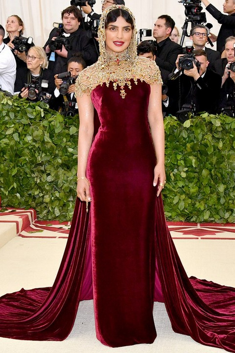 From Saints to Sinners, The Best Looks from the Met Gala 2018 Met Gala 2018 From Saints to Sinners, The Best Looks from the Met Gala 2018 From Saints to Sinners The Best Looks from the Met Gala 2018 9