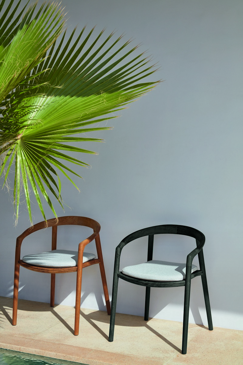 Manutti previewed outdoor decor trends 2019 at salone del for Outdoor furniture trends 2018