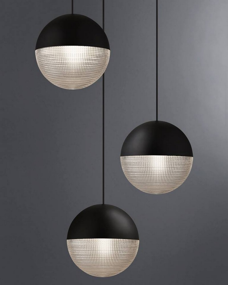 See Lee Broom's Meticulous Lens Fair Lighting Piece at NYCxDesign 2018 3 nycxdesign 2018 Lee Broom Launches Spectacular Lighting Design at NYCxDesign 2018 See Lee Brooms Meticulous Lens Fair Lighting Piece at NYCxDesign 2018 3
